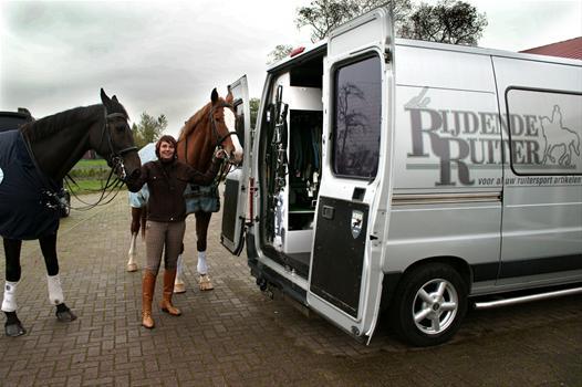 Bij De Rijdende Ruiter ging het honderdste talent in het kader van Talent2Work aan de slag.