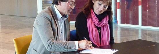 Een handtekening van de kandidaat en een handtekening van het Koning Willem 1 College werden op elk certificaat geplaatst.