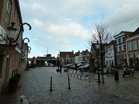 Dat de Heusdense vesting er zo mooi uitziet als een middeleeuws stadje is mede op het conto te schrijven van stadsrestaurateur René van Boxtel.