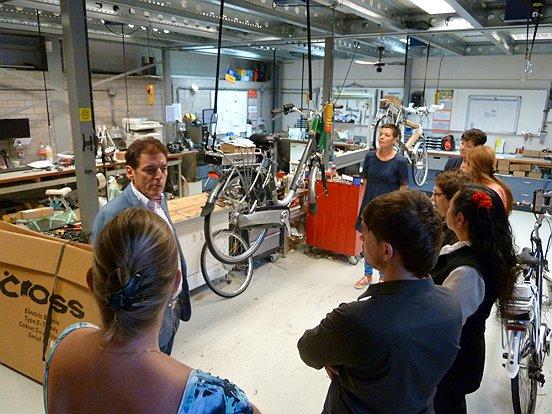 MatraBike werkt intensief samen met het werkbedrijf van Baanbrekers als het gaat om assemblage van fietsen.
