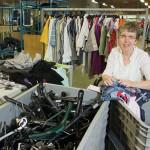 Het textielinzamelbesluit van de gemeenten Heusden, Loon op Zand en Waalwijk zorgt voor extra werkgelegenheid bij Baanbrekers.
