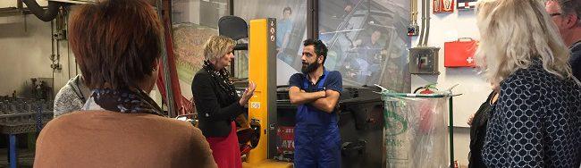 Sohrab Hamasbhouri moest vluchten uit zijn eigen land. Nu werkt bij bij de technische dienst van Baanbrekers en leert hij elke dag nieuwe dingen.