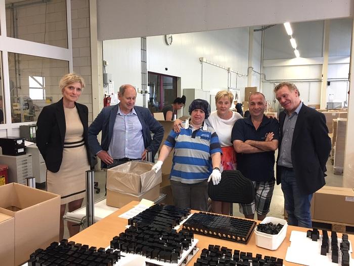 Aarts Plastics biedt ook plek aan talenten met een beperking.