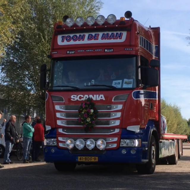 Een van de 105 trucks die deelnamen aan het Truckfestijn Waalwijk.