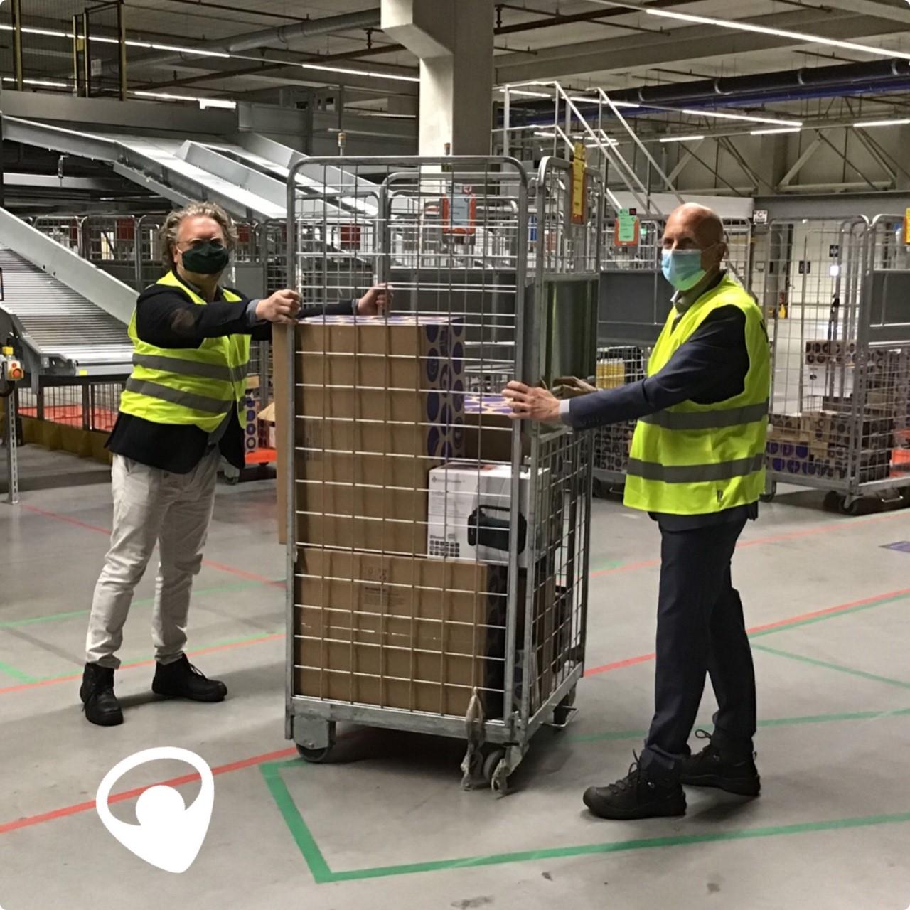 Met het verplaatsen van een rolcontainer is de samenwerkingsovereenkomst tussen Tempo Team en Baanbrekers gesloten.
